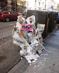 Resultado de imagem para lixo roupa art