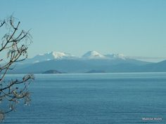 Great Driving Trips of New Zealand: North Island: View of Tongariro National Park from Lake Taupo