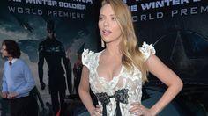 """Das Geheimnis ihrer Topfigur! Auch schwanger hat Scarlett Johansson eine Top-Figur. Nun verrät sie, wie sie ihren Körper in Form hält und was sie essen musste, um in """"Marvel's The Avengers 2: Age of Ultron"""" und """"Captain America 2: The Return of the First Avenger"""" zu beeindrucken."""