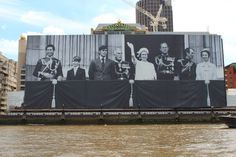 The largest ever photo of the Royal Family!