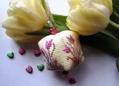 Creative Workshops from Hetti: Paas tulpjes / Easter tulips freebie.