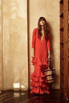 Get inspired and discover Johanna Ortiz trunkshow! Shop the latest Johanna Ortiz collection at Moda Operandi. Fashion 2018, Fashion Week, Look Fashion, Runway Fashion, High Fashion, Fashion Show, Womens Fashion, Fashion Design, Fashion Editor