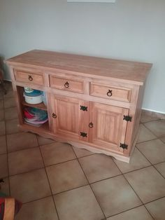 Le bas de meuble repeint Vanity, Bathroom, Storage, Furniture, Home Decor, Ladybugs, Papillons, Dressing Tables, Washroom