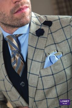 Sports coat Sartoria, shirt Eton, Cardigan Hackett, Tie Fiorio, pocket square Lowet & boutonnière by hook + ALBERT - outfit styled by Lowet Tailors