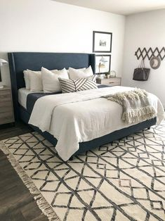 Home Decor Bedroom How to make your bed: A Step by Step Guide.Home Decor Bedroom How to make your bed: A Step by Step Guide White Master Bedroom, Home Decor Bedroom, Cozy Bedroom, Bedroom Makeover, Home, Bedroom Furniture, Home Bedroom, Remodel Bedroom, Modern Bedroom