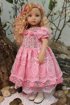 Dianna Effner's Little Darling #1 - Painted and Dressed by Magalie Dawson offered via eBay Auction, Opening Bid was $850.00, SOLD 6/13/16 $2,900.00