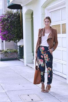 Get your fix of fall florals! Floral trousers are a great way to shake up your 9 to 5 style.