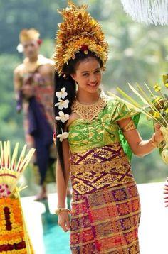 Offerte. Beautiful Balinese