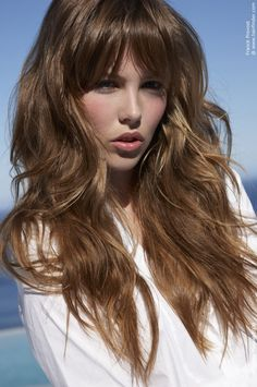 20 Glamorous Long Haircuts With Bangs for Women - Cool Global Hair Styles 2019 Large Forehead Hairstyles, Haircuts For Long Hair With Bangs, Long Wavy Hair, Hairstyles For Round Faces, Long Hair Cuts, Hairstyles With Bangs, Long Curly, Style Hairstyle, Thin Hair