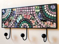 Upcycled Mosaic Wall Hook/Hanger with Fan Design Mosaic Pots, Mosaic Wall Art, Mosaic Glass, Mosaic Tiles, Glass Art, Mosaic Crafts, Mosaic Projects, Arte Popular, Wall Hooks