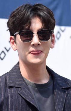 Asian Men Hairstyle, Ji Chang Wook, Korean Actors, Kdrama, Mens Sunglasses, Kpop, Face, Diversity, Fashion