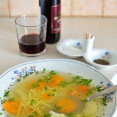 Supă din oase de vită cu tăieţei Cheeseburger Chowder, Thai Red Curry, Soup, Amazing, Ethnic Recipes, Soups