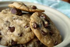 Eggless Cookies - Countless people are suffering today from allergy against eggs. Learn how to make cookies that taste as good, if not better than when using eggs. (LessonsGoWhere.com.sg)