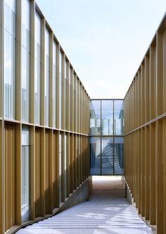 Ateliers O-S architectes  POLE CULTUREL, MÉDIATHEQUE, ÉCOLE DE MUSIQUE ET DE DANSE  SAINT-GERMAIN-LES-ARPAJON   Courtesy of Ateliers O-S architectes