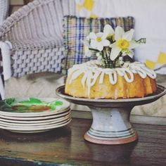Beautiful cake stand makes every cake just a little more special. Cake Plates, Beautiful Cakes, Stoneware, Pine, Pottery, Homemade, Pine Tree, Ceramica, Home Made