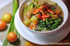 Hot and Sour Pork Soup (Thai-Filipino Pork Sinigang) Recipe on Yummly. Filipino Dishes, Filipino Recipes, Asian Recipes, Ethnic Recipes, Filipino Food, Pork Sinigang, Sinigang Recipe, Lomo Saltado, Comida Filipina