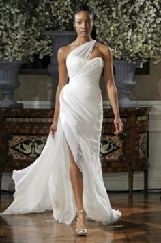 This is a great dress for a woman who has curves! It would be equally stunning in emerald or ruby.