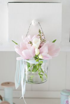 Easter and spring. Happy Flowers, My Flower, Fresh Flowers, Beautiful Flowers, Pink Tulips, Pink Flowers, Deco Floral, Floral Design, Minty House