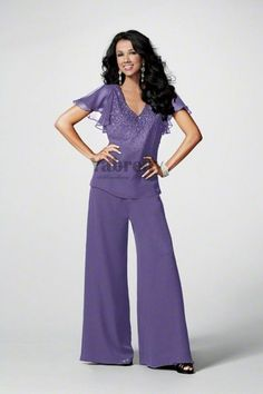 lilac Chiffon mother of the wedding party pants suits with Short Sleeves - Mother Of The Bride Pant Suits Beach Wedding Attire, Wedding Suits, Dressy Pant Suits, Wedding Pantsuit, Mob Dresses, Bride Dresses, Pantsuits For Women, Bride Groom Dress, Custom Dresses