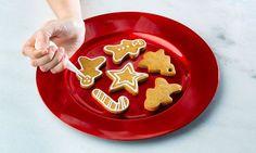 As bolachas de gengibre são um clássico da época natalícia e visualmente muito apetitosas. Saiba como fazê-las.