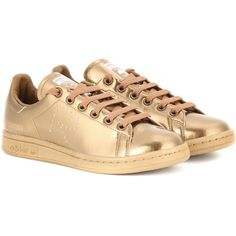 Adidas by Raf Simons Stan Smith Metallic Sneakers (967.455 COP) ❤ liked on Polyvore featuring shoes, sneakers, gold, metallic gold sneakers, adidas, adidas sneakers, gold shoes and adidas trainers