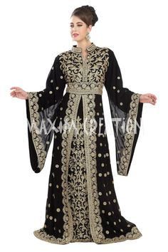 Black georgette islamic kaftan with zari and stone work - Maxim's Boutique - 2658811 Dresses Uk, Modest Dresses, Fashion Dresses, Dresses With Sleeves, Xl Fashion, Hijab Fashion, Jasmine Bridesmaids Dresses, Wedding Dresses, Kaftan Moroccan