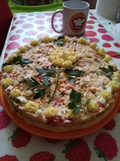 Salată beouf cu pui Pasta Salad, Quiche, Breakfast, Ethnic Recipes, Food, Crab Pasta Salad, Morning Coffee, Essen, Quiches