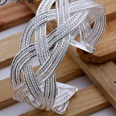 925 Sterling Silver Jewelry Set Bracelet/Ring set. Ring is 8. Bracelet diameter is 6.5 cm Jewelry Bracelets