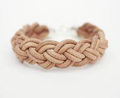 Armband aus pflanzlich gegerbtem Leder in natur von coje // bracelet made from vegetable tanned leather by coje via dawanda.com