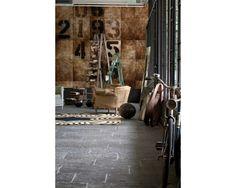 Tajemnicze liczby na ścianie. Ekskluzywne tapety http://esencjadesign.pl/wall-deco-life-12/613-count-down.html
