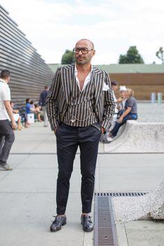 ダブルモンク 素足履きの画像 | ELEMENTS OF STYLE Gq Style, Cool Style, Mature Fashion, Quirky Fashion, Stylish Boys, Best Mens Fashion, Sharp Dressed Man, Suit And Tie, Gentleman Style