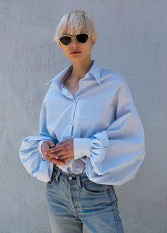 Light Blue Balloon Sleeve Cape Top – The Frankie Shop Diy Camisa, Look Fashion, Fashion Outfits, Womens Fashion, Iranian Women Fashion, Beautiful Blouses, Denim Top, Mode Inspiration, Minimalist Fashion