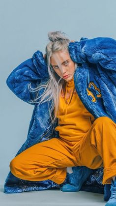 how to be like billie eilish - 23 - Wattpad - Celebrities Videos Instagram, Donia, Style Outfits, Charlize Theron, Teenager Outfits, Swagg, My Girl, Beautiful People, Street Wear