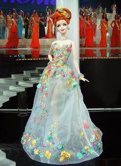 Barbie Miss Washington Ninimomo 2013 Barbie Gowns, Barbie Hair, Barbie Clothes, Barbie Miss, Barbie And Ken, Marvel Dc, Miss Pageant, Beautiful Barbie Dolls, Barbie Princess