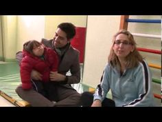 """NO HAY QUE CENTRARSE EN LAS LIMITACIONES, SINO EN LAS CAPACIDADES.  El regalo de Sofia cuenta la historia sobre unos padres de una niña con síndrome de Down, y demuestra que """"La discapacidad no está reñida con la felicidad"""" Un corto perfecto donde se explica los diversos sentimientos que aparecen en una familia a la hora afrontar una noticia así. Tristeza, negación, culpabilidad, aceptación...   http://www.mihijodown.com/es/nuevos-padres/nuestros-sentimientos"""