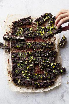Yotam Ottolenghi's mint and pistachio chocolate fridge cake Yotam Ottolenghi, Ottolenghi Recipes, Chocolate Fridge Cake, Chocolate Recipes, Mint Chocolate, Keks Dessert, Baking Recipes, Dessert Recipes, Cake Recipes