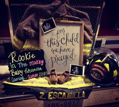 18 ideas baby announcement with kids ice ice for 2019 Firefighter Pregnancy Announcement, Pregnancy Announcement To Husband, New Baby Announcements, Firefighter Baby Showers, Firefighter Decor, Firefighter Family, Firefighters Wife, Firefighter Quotes, Baby Pictures
