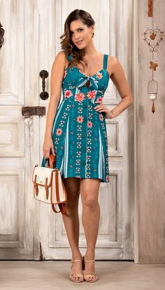 Hostel Felicidad (Page Runway Fashion, Ideias Fashion, Photoshoot, Summer Dresses, Suits, Casual, How To Wear, Blog, Summer Floral Dress