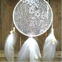 DIY lace dream catcher.  Absolutely gorgeous!