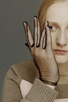 handschuhe // another magazine Viviane Sassen, Diy Accessoires, Look Man, Fashion Details, Fashion Design, Mode Chic, Foto Art, Mode Outfits, Harry Styles