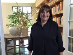 Ina Garten is the author of the Barefoot Contessa cookbooks and host of Barefoot Contessa on Food Network. Food Network Barefoot Contessa, Food Network Recipes, Cooking Recipes, Yummy Recipes, Healthy Recipes, Cookery Books, Dining Table In Kitchen, Dining Rooms, Homemaking