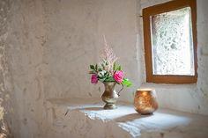 Dekoration und Blumen auf Schoss Ehrenfels, Astilbe und Rosen von Anmut und Sinn. Foto: Lena Heinemann