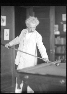 Alvin Langdon Coburn - Portrait of Mark Twain shooting pool 1905