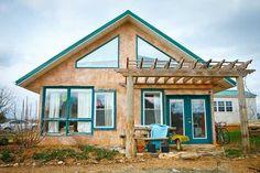 VIDEO Cum să-ţi ridici o casă cu maximum 2.500 de euro!