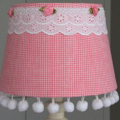 Shade 20cm pink checks / Rhoon's Originals at Facebook