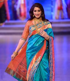 Sonali Bendre walks the ramp for Shaina NC during the FDCI Make In India fashion week in Mumbai. (Pic Viral Bhayani) Make In India Fashion Week Photogallery at ETimes Banarasi Sarees, Silk Sarees, Indian Dresses, Indian Outfits, Indian Clothes, Indian Fashion, Womens Fashion, Fashion Black, Korean Fashion