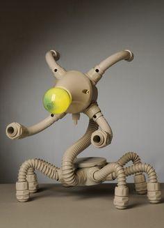 Robert Matysiak  es un artista de Croacia que ha ideado una ingeniosa colección de lámparas a las cuales han llamado las Robo-Lámparas , ...