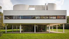 Le Corbusier, Villa Savoye (built between 1928 and 1931), Poissy, France  by Pedro Kok