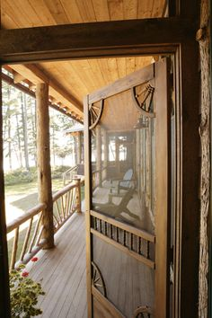 Country porch and screen door Old Screen Doors, New Homes, Rustic House, House, Country Porch, Home, Cabin Decor, Rustic Cabin, Cabin Porches