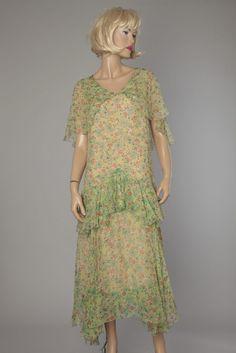 Robe 1930 en mousseline de soie verte imprimée de fleurs